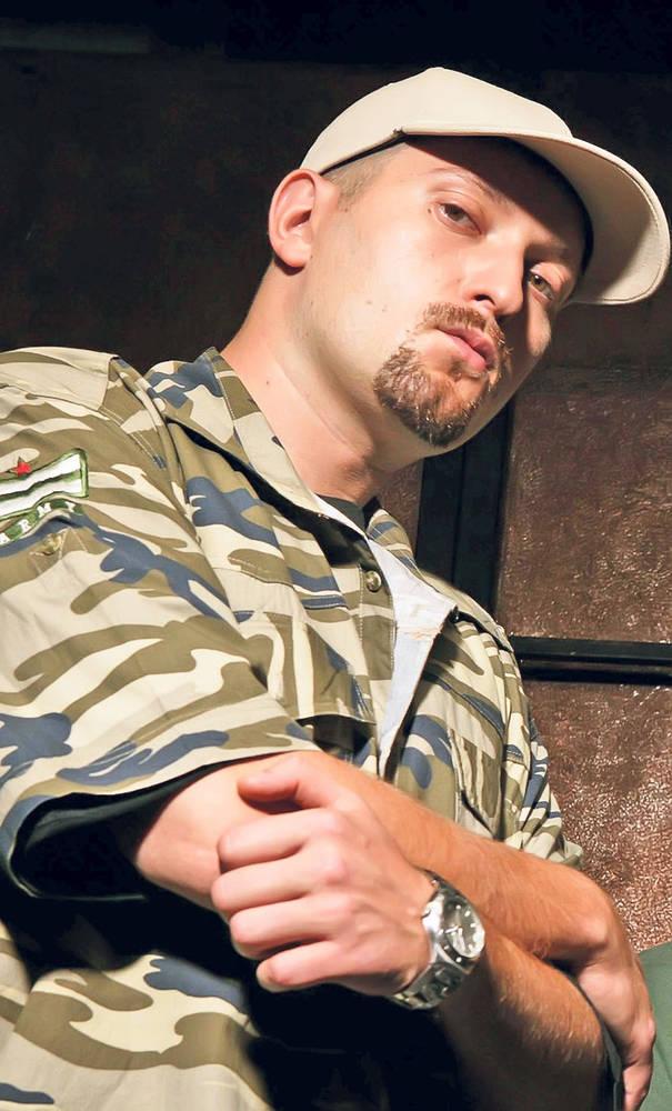 Hainele rapperilor români din anii '90 erau mai mișto ca boarfele hipsterești de azi - VICE