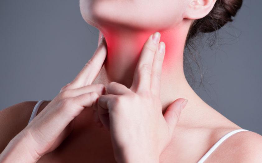 cancer faringe laringe sintomas)