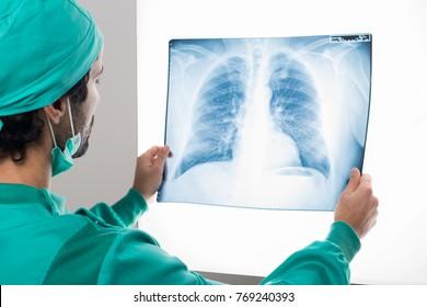 Analizele medicale care depistează cancerul pulmonar - Doctorul zilei