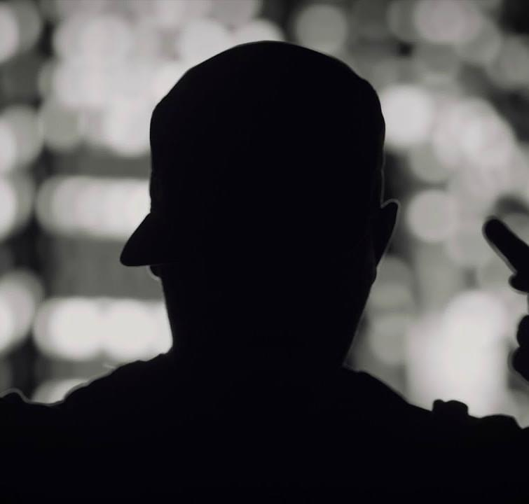 Cheloo - Prezentul perfect | Lyrics Video