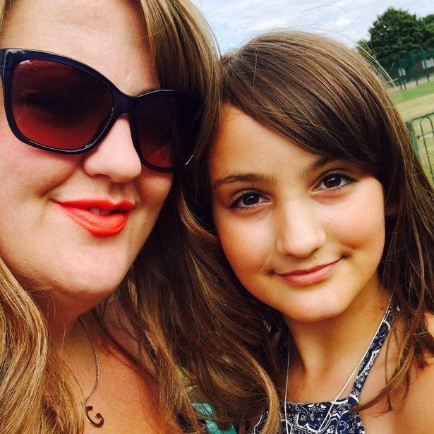 O fetiță de 12 ani dezvoltă sindrom Guillain-Barré după VACCINUL GARDASIL și suferă de PARALIZIE